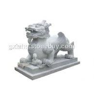 石狮。佛像。北京狮。大象。狮子。龙柱。山门。栏杆。