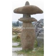 自然石灯笼