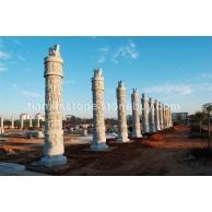 龙柱、九龙壁、石雕、石牌坊、浮雕牌坊、路沿石、天青石、龙柱、石亭、石栏杆 园林 寺庙石塔 广场工程石
