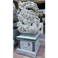 供应广东潮州潮汕寺庙青石石雕狮子 青石石狮批发