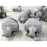 孔雀开屏石雕塑